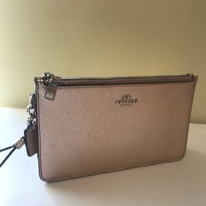 NWT Coach Triple Leather Wristlet in Platinum